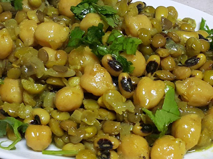 Legumes in Curry Sauce