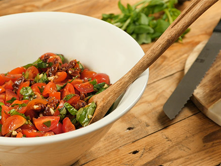 Tomato Salad with Basil and Sun-Dried Tomatoes