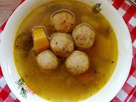 Vegan Kneidlach Soup (Matzo Balls)