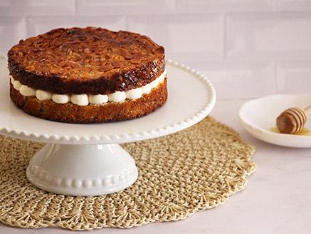 Vegan Bee Sting Cake (Vegan Bienenstich)