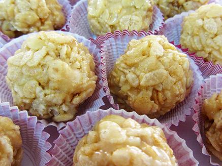Vegan Puffed Rice Balls