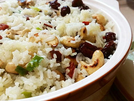 Rice with Green Onion, Cranberries, Goji berry and Roasted Cashews