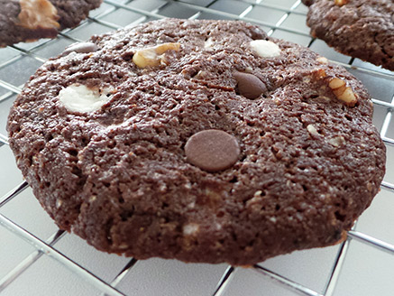 Vegan Chocolate Chip Cookies with Nuts