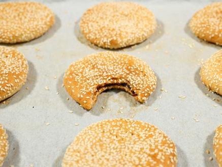 Iraqi Date Cookies (Baba Be'Tamar)