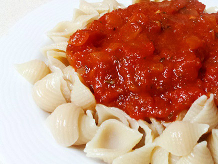 Brown Rice Noodles with Tomato Sauce