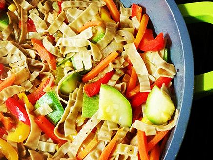 Stir-Fried Mung Bean Fettuccine with Vegetables