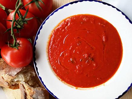 Spicy Vegan Tomato Soup