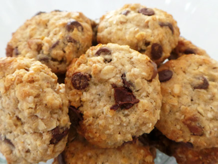 Vegan Oatmeal and Chocolate Chip Cookies